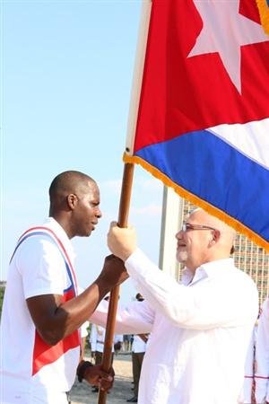 Abanderan equipo Cuba