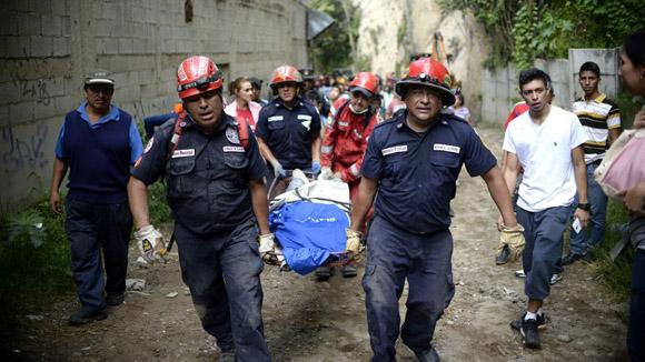 Se han contabilizado al menos 33 muertos y 450 desaparecidos. Foto: AFP