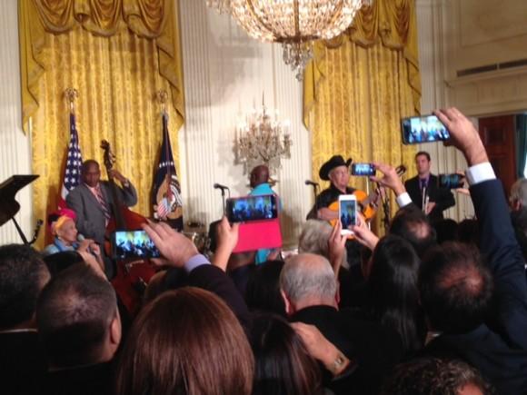 Buena Vista Social Club y Omara Portuondo cantaron en la Casa Blanca