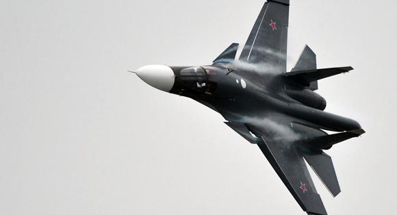 El cazabombardero Su-34 fue empleado para destruir un almacén subterráneo con explosivos del EI. Foto: Sputnik