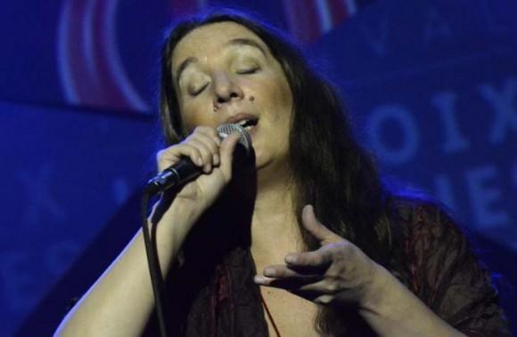 La cantante portuguesa hizo un recorrido por su obra en el teatro Mella durante el Festival Las voces humanas. Foto: Anabel Díaz.