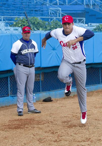 Entrenamiento del equipo Cuba al Premier 12 (15)