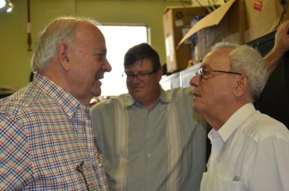 Eusebio Leal junto a Emiliano Salcines prominente historiador de Tampa, quien ha realizado importantes estudios sobre la presencia de José Martí en esa ciudad floridana