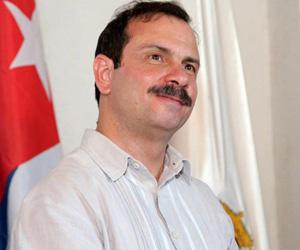 Héroe cubano Fernando González rinde tributo a Allende y desaparecidos