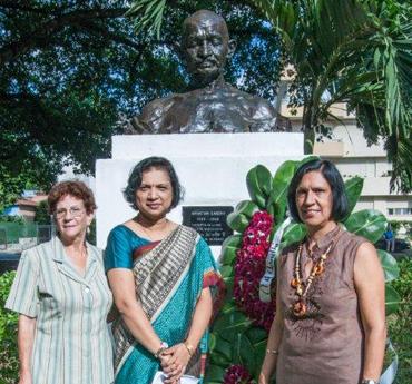 Homenaje a Ghandi en La habana. Foto: Siempre con Cuba / Orlando Perera