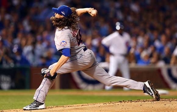 El abridor de los Mets, Jacob deGrom, no pudo con la ofensiva de los Reales. Foto: Elsa/Getty Images