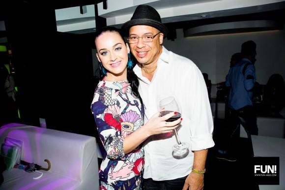 Katy Perry con el reconocido músico cubano Isaac Delgado. Foto: Cuenta de Instagram de la cantante