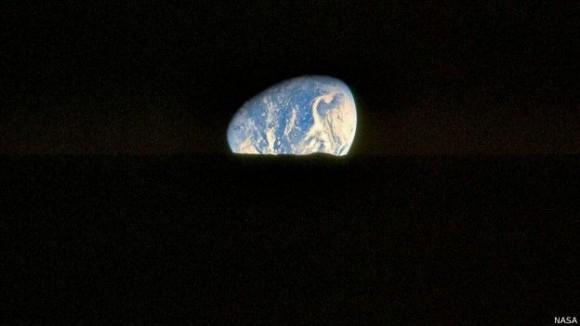 La misión exploraría zonas que están en permanente oscuridad. Foto: Nasa