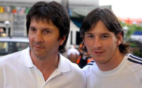 Lionel Messi y su padre. Foto tomada de elcomercio.pe