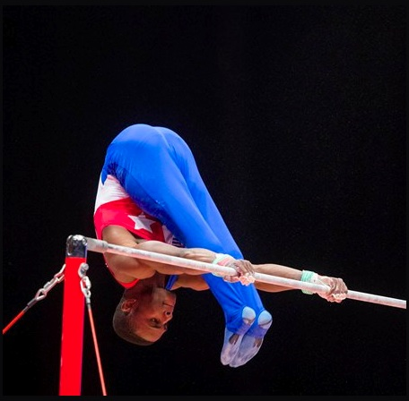 Manrique Larduet en la Mundial 2015. Plata en el All Around. Foto: Sitio oficial del evento.