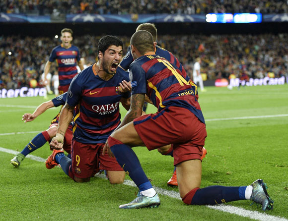Neymar y Luis Suárez anotaron los goles en el Camp Nou. Foto  Shauner Fraser 36959fd6f4c34