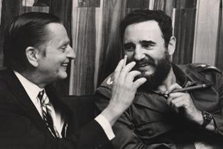 Olorf palme, junto a Fidel. Foto: Hasse Persson