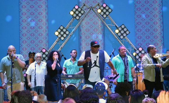 """La Orquesta de Juan Formell y los Van Van, selló este viernes en el Hotel """"Las Morlas"""" de la Marina Gaviota, el  encuentro auspiciado por Paradiso. Foto: Marianela Dufflar/ Cubadebate."""