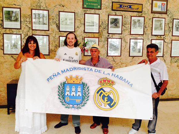 Blanca Rosa Blanco compartió junto a la Peña en el partido entre el Real y el Atlético. Foto tomada de la página oficial de la Peña en Facebook.