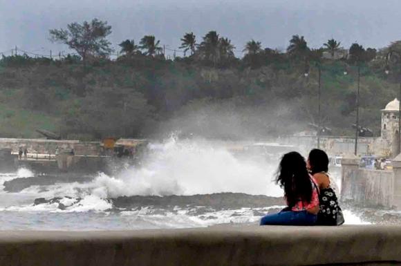 Penetraciones del mar en el Malecón de La Habana3