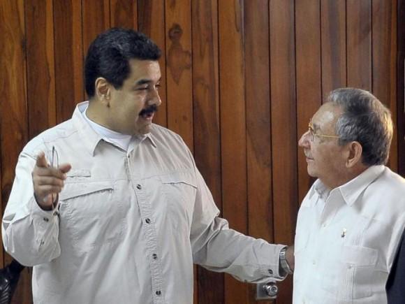 Raúl y Maduro en La Habana, 9 de octubre de 2015 Foto: Estudios Revolución