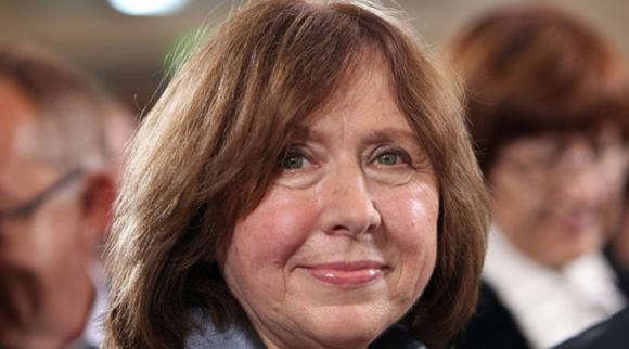 Bielorrusa Svetlana Alexievich gana premio Nobel de Literatura