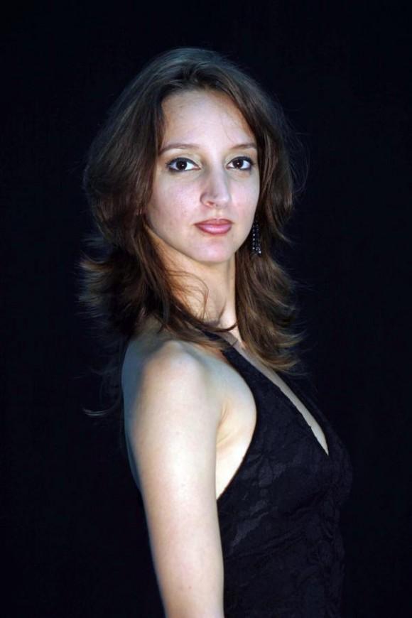 """El diario español El Mundo apunta que Sadaise Arencibia es """"una bailarina de figura y elasticidad destacadas"""". Foto tomada de balletcuba.cult.cu"""
