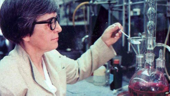 Stephanie Kwolek inventó una fibra cinco veces más resistente que el acero. Foto: AP