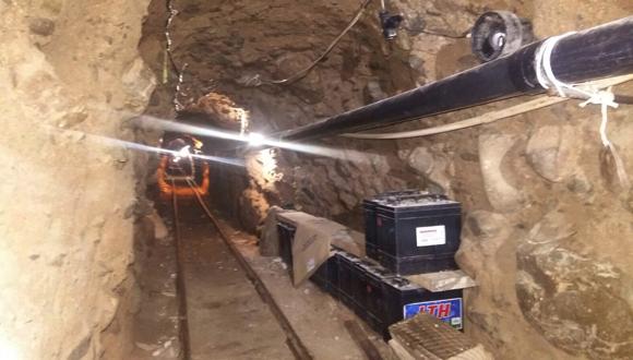 Túnel subterráneo utilizado para trasladar droga desde Tijuana, México, a San Diego, California, Estados Unidos. (Foto: AP.)