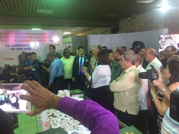 El Primer Vicepresidente de los Consejos de Estado y de Ministros, Miguel Díaz-Canel Bermúdez, asistió al acto de apertura de la Expo Feria Internacional Cuba 2015.