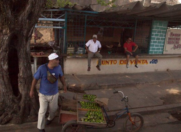 Cooperativa vs Cuentapropista. Foto: Ismael Francisco/ Cubadebate.