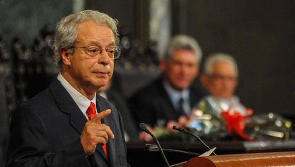 Carlos Alberto Libânio Christo (Frei Betto ), durante su intervención en el acto de entrega del título de Dr. Honoris Causa en Filosofía a ese  Teólogo brasileño, en el Aula Magna de la Universidad de La Habana, el 12 de octubre de 2015. AIN FOTO/Abel PADRÓN PADILLA