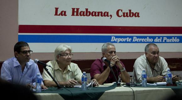 Conferencia de prensa efectuada en la Sala Adolfo Luque del Estadio Latinoamericano. Foto: Ismael Francisco/Cubadebate