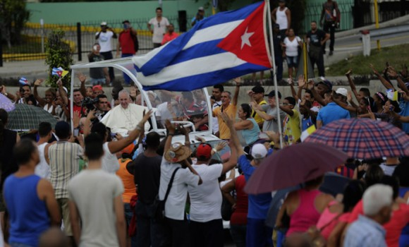 Francisco en las calles de  La Habana.  Foto: Ismael Francisco/ Cubadebate