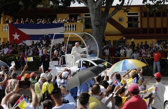 Francisco llega a la ciudad de Holguín.  Foto: Ismael Francisco/ Cubadebate