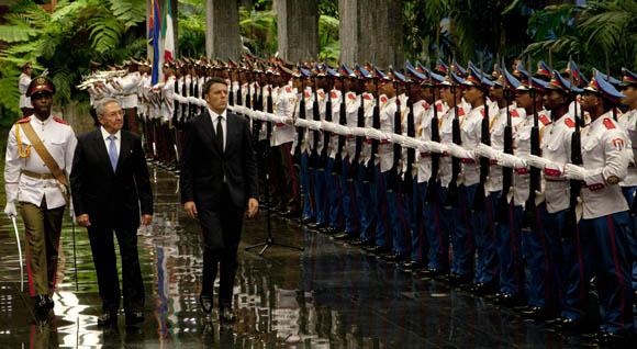 Raúl Castro recibió al Primer Ministro italiano. Foto: Ismael Francisco/ Cubadebate