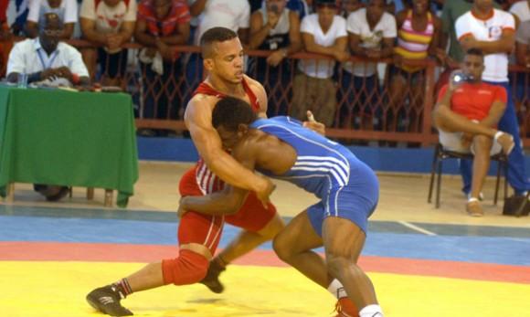 Cuba conquista dos títulos en Open de Lucha en Polonia