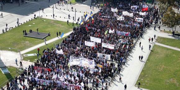 Los estudiantes chilenos saldrán a las calles para reclamar mejoras. Foto: Agencia Uno