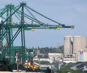 Cuba abrirá espacios para negocios industriales con firmas extranjeras
