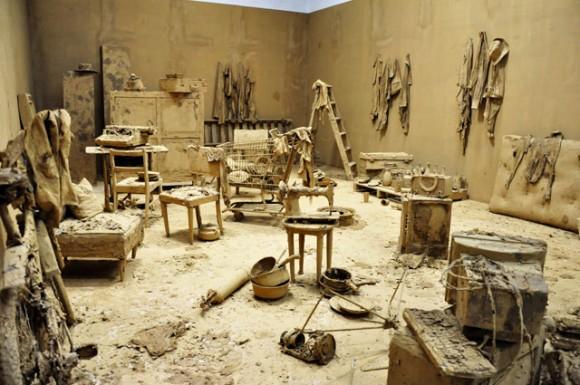 En este trabajo el barro juega un papel fundamental. Foto. Roberto Garaicoa Martínez.