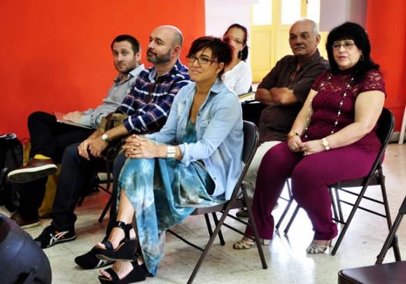 Presiden la Presidenta y Vicepresidente de la Asociación de Comunicadores Sociales. Foto. Roberto Garaicoa Martinez/ Cubadebate