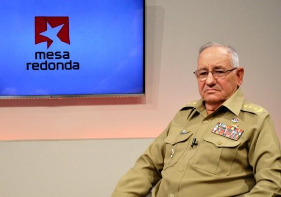 5-Con-el-General-Ramon-Espinosa