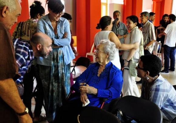 Mirta Muñiz, leyenda del arte publicitario cubano. Foto. Roberto Garaicoa Martinez/ Cubadebate