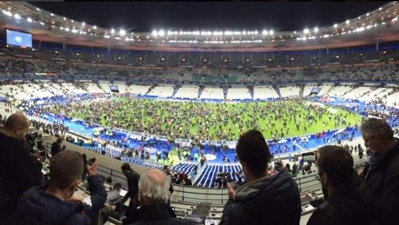 El Stade de France, luego de los atentados en las inmediaciones de la cancha. Foto: