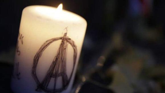 El mundo ha quedado conmovido con los seis atentados en la noche dle viernes 13 de noviembre en París. Foto: Reuters.