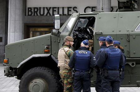 Bruselas en estado de alerta máximo: Bélgica amplía búsqueda de sospechosos