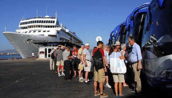 Cuba rompió récord en el arribo de visitantes foráneos en 2015