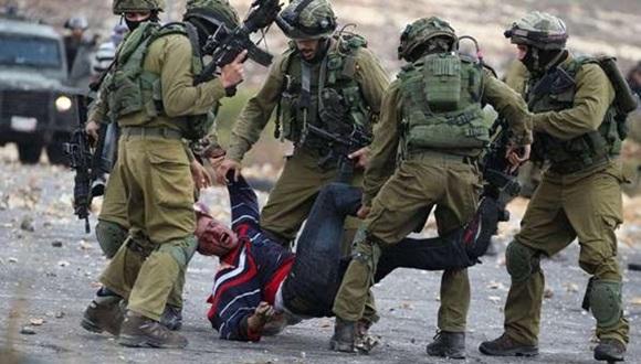 18 jóvenes palestinos han muerto y más de 300 han resultado heridos desde el inicio de las tensiones.