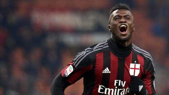 El protagonista del compromiso fue el francés de 20 años Mbaye Niang, quien anotó dos goles. Foto: EFE.