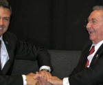 Enrique Peña Nieto y Raúl Castro. Foto tomada de adnpolitico.com