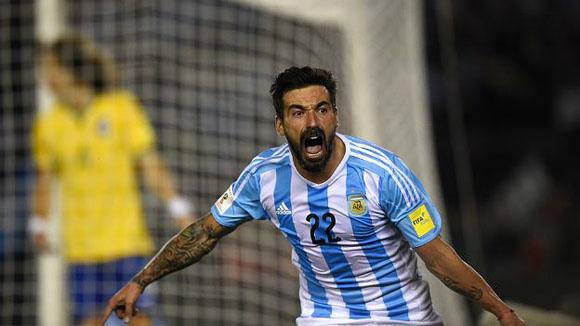 Ezequiel Pocho Lavezzi abrió el marcador a los 34. Foto: AFP