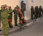 Homenaje a mártires del levantamiento del 30 de noviembre. (Foto: ACN)