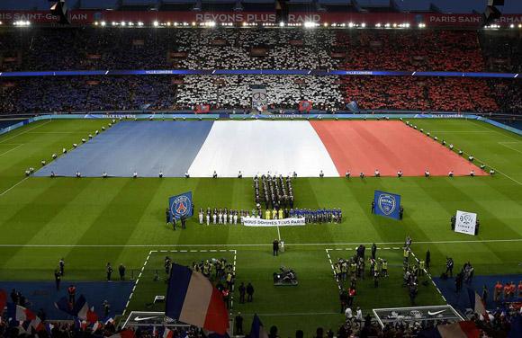 Homenaje a victimas de atentado en Paris Foto: AFP.