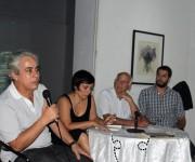 """Presentación del libro """"André Masson, vagabundo del surrealismo"""" (de izq. a der.) Jorge Fernández, Isabel Pérez y Gilbert Brownstone junto a su traductor. Foto: José Raúl Concepción/Cubadebate."""
