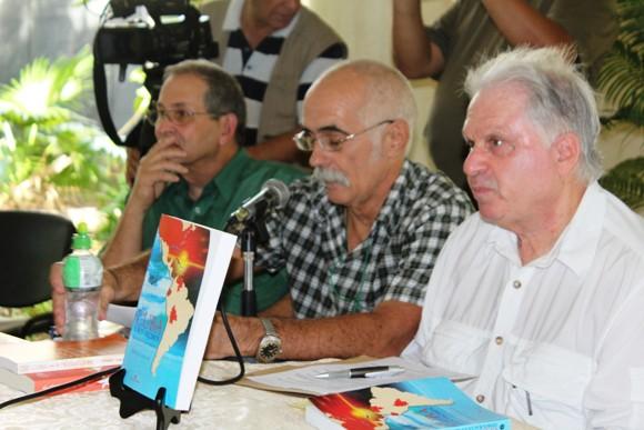 (de der. a izq.) Arnold August, Jesús García y Lázaro Barredo. Foto: José Raúl Concepción/Cubadebate.